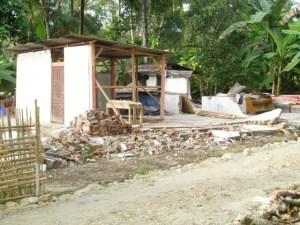 Hunian sementara Korban Gempa 2 Sep 09 Cilacap Brat